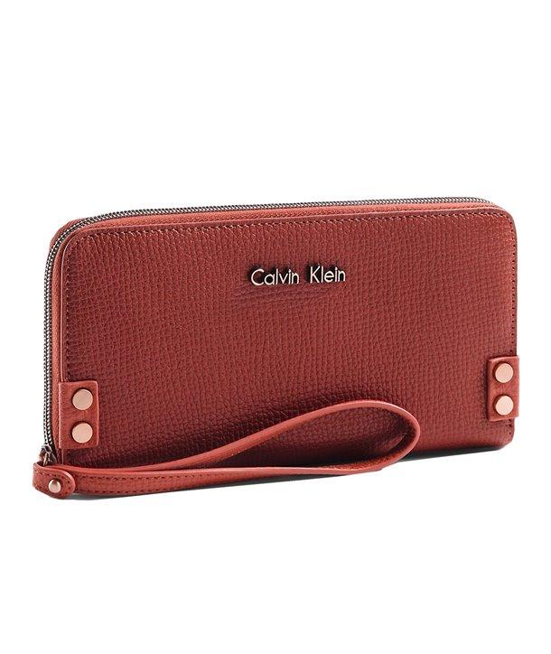 Calvin Klein dámská peněženka Daron Zip Continental hnědá
